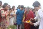 Dimple kapadia and twinkle_s ganpati visarjan on 22nd Sept 2015 (91)_56026106dd35d.JPG