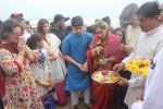 Dimple kapadia and twinkle_s ganpati visarjan on 22nd Sept 2015 (93)_560261079eb90.JPG