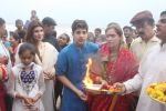 Dimple kapadia and twinkle_s ganpati visarjan on 22nd Sept 2015 (96)_5602613a0b19c.JPG