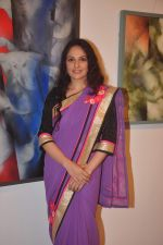 Gracy singh at vishnu sonawane_s art event in Jehangir Art Gallery on 22nd Sept 2015 (15)_5602617f0ff0e.JPG