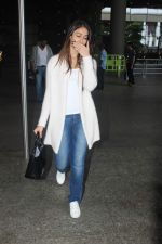 Ileana D_Cruz snapped at Airport on 22nd Sept 2015 (20)_5602609a61d43.JPG