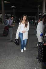 Ileana D_Cruz snapped at Airport on 22nd Sept 2015 (23)_5602609c1f724.JPG
