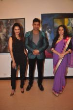 Payal Rohatgi, Sangram Singh, Gracy Singh at vishnu sonawane_s art event in Jehangir Art Gallery on 22nd Sept 2015 (13)_5602619175685.JPG