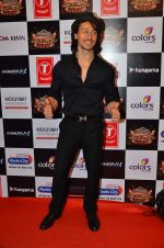 Tiger Shroff at Gulshan Kumar Tribute in Filmcity on 22nd Sept 2015 (73)_5602acc779b81.JPG