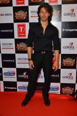 Tiger Shroff at Gulshan Kumar Tribute in Filmcity on 22nd Sept 2015 (75)_5602acca1de3a.JPG