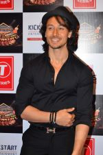 Tiger Shroff at Gulshan Kumar Tribute in Filmcity on 22nd Sept 2015 (80)_5602acd02d7af.JPG
