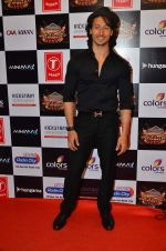 Tiger Shroff at Gulshan Kumar Tribute in Filmcity on 22nd Sept 2015 (74)_5602acc8cbaaa.JPG