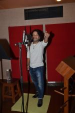 kailash kher photo shoot on 23rd Sept 2015 (14)_5602b6010ac6e.JPG