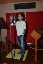 kailash kher photo shoot on 23rd Sept 2015 (7)_5602b5f95ce0c.JPG