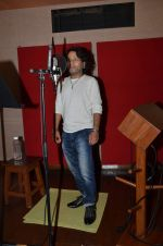 kailash kher photo shoot on 23rd Sept 2015 (9)_5602b5fbc28b8.JPG