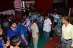 sunil shetty at chincpokli ganpati mandal in Mumbai on 23rd Sept 2015 (2)_5602b798cd551.JPG