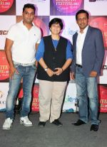 Kapil Pathare (of VIP), Falguni Pathak & Aarrnav Shirsat (CMD, 3rdRock Ent) at the Press announcement of _Dubai Dandiya Festival 2015_ with  Falguni Pathak at La Ruche, Bandra_5603a2c6917dd.JPG