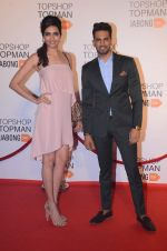 Karishma Tanna, Upen Patel at Top Shop Red Carpet on 24th Sept 2015 (30)_56053655a4775.JPG