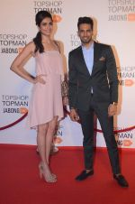 Karishma Tanna, Upen Patel at Top Shop Red Carpet on 24th Sept 2015 (34)_56053658699bc.JPG