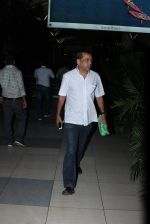 Paresh Rawal snapped at Airport in Mumbai on 24th Sept 2015 (11)_56052e4380f22.JPG