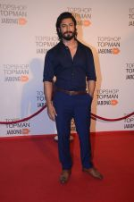 Vidyut jamwal at Top Shop Red Carpet on 24th Sept 2015