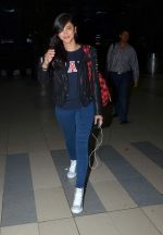 Shruti Hassan snapped at airport post the GAP launch in Bangalore on 25th Sept 2015