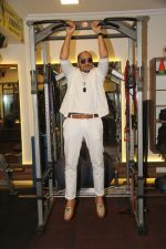 Ali Quli (of Big Boss fame) at the Muscle Talk Gymnasium launch in Chembur.2_5608c6574d003.JPG