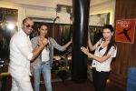 Ali Quli (of Big Boss fame), Miss India Gail Nicole Da Silva & Claudia Ciesla at the Muscle Talk Gymnasium launch in Chembur.1_5608c6596910d.JPG