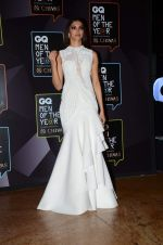 Deepika Padukone at GQ men of the year 2015 on 26th Sept 2015 (1947)_5608d3be7980f.JPG
