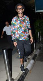 Ranveer Singh snapped at airport  on 27th Sept 2015