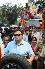 Rishi Kapoor, Rajiv Kapoor, Randhir Kapoor at rk studios ganpati Visarjan on 26th Sept 2015