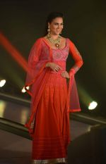 Lara Dutta at JJ Valaya Singh in Bling fashion show on 28th Sept  2015