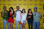 Kartik Aaryan, Omkar Kapoor, Sunny Singh Nijjar, Sonali Sehgall, Nushrat Barucha and Ishita Sharma promote Pyaar Ka Punchnama at Radio Mirchi Studio on 30th Sept 2015 (23)_560bf175433de.JPG