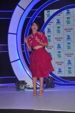 Gauhar Khan at Zee Tv launches its new show I Can Do It with Farhan and Gauhar at Marriott on 30th Sept 2015 (107)_560cebe6513b4.JPG