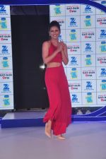 Gauhar Khan at Zee Tv launches its new show I Can Do It with Farhan and Gauhar at Marriott on 30th Sept 2015 (111)_560cebed69d10.JPG