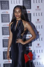at Elle Beauty Awards  in Trident, Mumbai on 1st Oct 2015 (145)_560ea020dae22.JPG