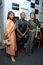 Soha Ali Khan, Mini Mathur on day 1 of Amazon india fashion week on 7th Oct 2015,1 (118)_5615549821934.JPG