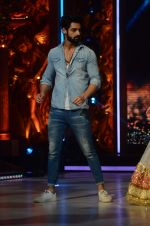 Karan Wahi at Jhalak dikhhla jaa reloaded grand finale shoot in Filmistan on 7th Oct 2015 (110)_56161f45938be.JPG