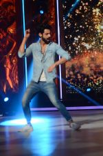 Karan Wahi at Jhalak dikhhla jaa reloaded grand finale shoot in Filmistan on 7th Oct 2015