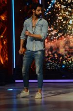 Karan Wahi at Jhalak dikhhla jaa reloaded grand finale shoot in Filmistan on 7th Oct 2015 (113)_56161fce72058.JPG