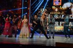 Manish Paul, Bharti Singh at Jhalak dikhhla jaa reloaded grand finale shoot in Filmistan on 7th Oct 2015