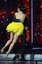Sanaya Irani, Shahid Kapoor at Jhalak dikhhla jaa reloaded grand finale shoot in Filmistan on 7th Oct 2015 (95)_561620260e645.JPG