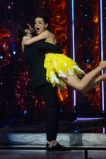 Sanaya Irani, Shahid Kapoor at Jhalak dikhhla jaa reloaded grand finale shoot in Filmistan on 7th Oct 2015 (96)_5616202708534.JPG