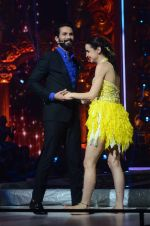 Sanaya Irani, Shahid Kapoor at Jhalak dikhhla jaa reloaded grand finale shoot in Filmistan on 7th Oct 2015