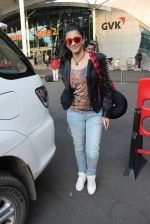 Shruti Haasan snapped at domestic airport on 7th Oct 2015