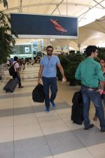 Arunoday Singh snapped at the airport on 9th Oct 2015 (21)_561922013449d.JPG