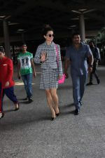 Kangana Ranaut snapped at the airport on 9th Oct 2015