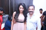 Kamal Haasan and Trisha at Thoongavanam Audio Launch on 10th Oct 2015 (12)_561a5262e6442.jpg