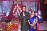 Rohit Roy, Manasi Joshi Roy at Ronit Roy_s bday and mata ki chowki on 10th Oct 2015 (89)_561b52ee0a526.JPG