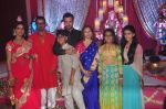 Rohit Roy, Manasi Joshi Roy, Ronit Roy at Ronit Roy_s bday and mata ki chowki on 10th Oct 2015 (94)_561b5312b7782.JPG
