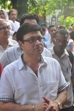 Sachin Pilgaonkar at Ravindra Jain funeral on 10th Oct 2015 (39)_561b50bfbd883.JPG