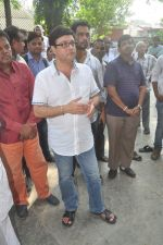 Sachin Pilgaonkar at Ravindra Jain funeral on 10th Oct 2015 (37)_561b50af6360a.JPG