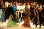 at the grand Finale of Amazon India Fashion Week on 11th Oct 2015 (12)_561b632c24c05.JPG