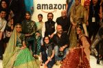 at the grand Finale of Amazon India Fashion Week on 11th Oct 2015 (20)_561b633af1c95.JPG