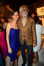 at the grand Finale of Amazon India Fashion Week on 11th Oct 2015 (22)_561b633e8a9ed.JPG